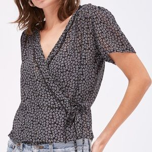 LACAUSA Pantry Top in Ditsy Print